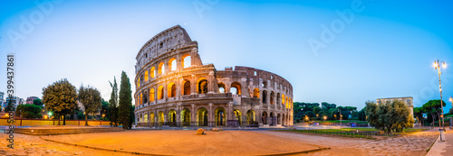 Papel de parede Colosseum at dawn in Rome. Italy