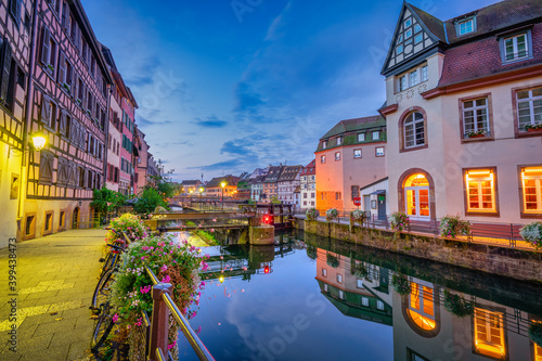 Slika na platnu Old town water canal of Strasbourg, Alsace, France