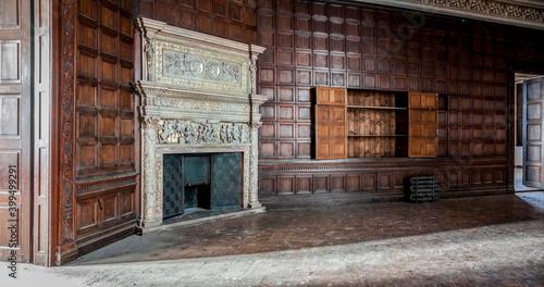 Photo Old abandoned Adria palace in Budapest Hungary