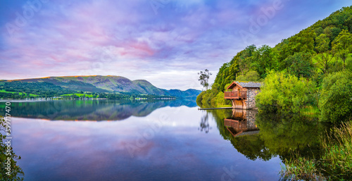 Fotografija Duke of Portland boathouse on Ullswater lake at sunrise