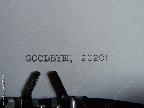 the words goodbye 2020! typed on a typewriter Fotobehang