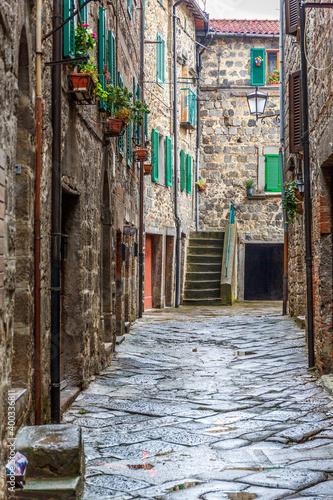 Fotografering Italian backstreet in an old city