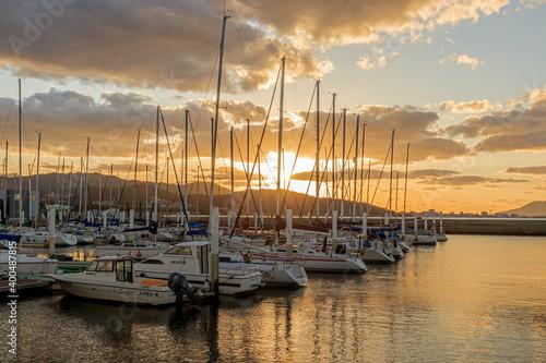 Photo 夕暮れ時のヨットハーバー 福岡県福岡市  Yacht harbor in the evening Fukuoka-ken Fukuoka city