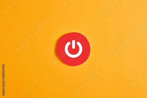 Papel de parede Red round circle with a standby button or icon