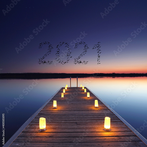 2021 Steg mit Kerzen