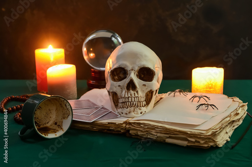 Fotomural Accessories of fortune teller on table