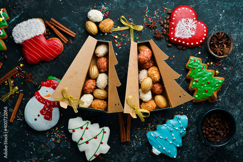Fototapeta Christmas sweets, gingerbread and candies. Banner. Top view. Sweet bar. obraz
