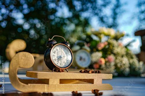 Fotografía Antica sveglia utilizzata come decorazione