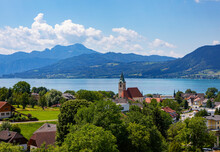 Austria, Upper Austria, Weyregg Am Attersee, Rural Town On Shore Of Lake Atter In Summer