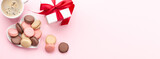 Fototapeta Kawa jest smaczna - Valentines day with macaroons and gift box
