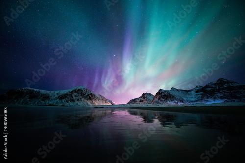 Fototapeta Aurora borealis on the Beach in Lofoten islands, Norway
