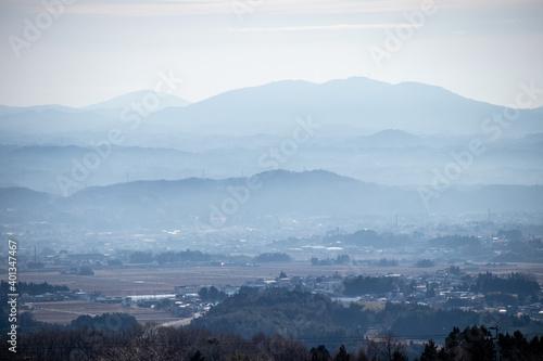 Fototapeta 靄に包まれる阿武隈山地