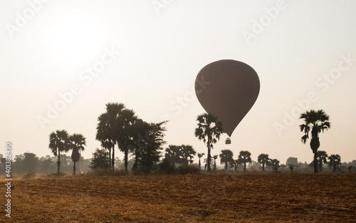 Foto Hot air balloon in Bagan, Myanmar Asia