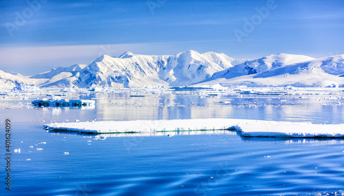 Foto Images of ice bergs in Antartica