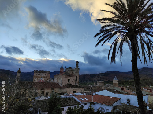 Fotomural Royal Monastery of Santa Maria de Guadalupe is a monastery located in the Spanis