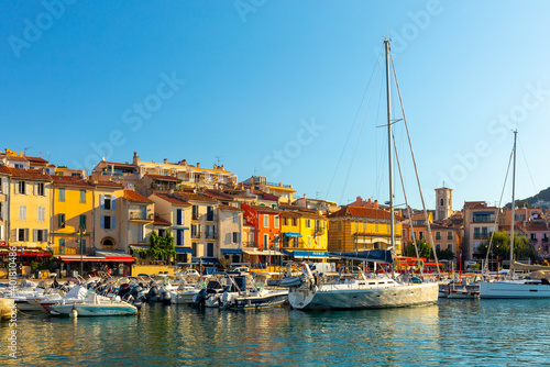 Obraz na plátně View of the town Cassis, Provence, South France, Europe, Mediterranean sea