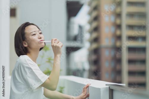 若い女性 Fototapet