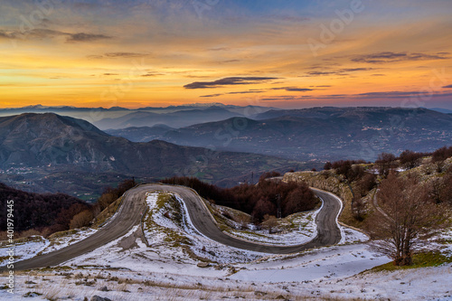 Valokuvatapetti Panorama effettuato al tramonto in Molise a Campitello Matese