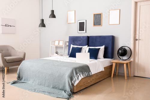 Photographie Stylish interior of modern bedroom