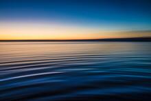 L'acqua Calma E Il Lago Di Bracciano Al Tramonto
