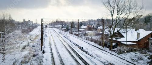 Fototapeta Widok na ośnieżone tory kolejowe obraz