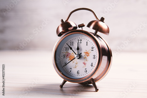 Slika na platnu Retro alarm clock with bell