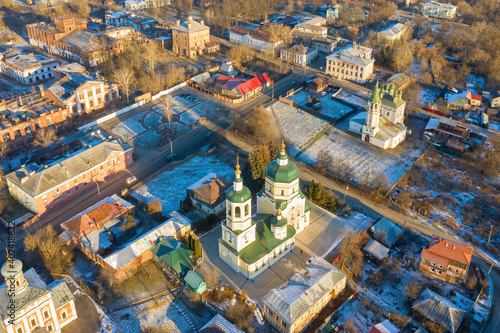 Obraz na plátně Aerial view of historical part of Serpukhov and church of Elijah the Prophet at sunny winter day