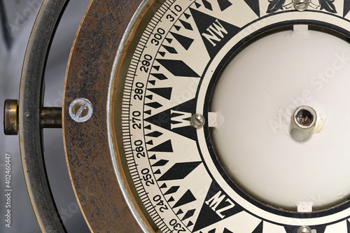 Fototapeta old Dutch gimballed mariner's compass