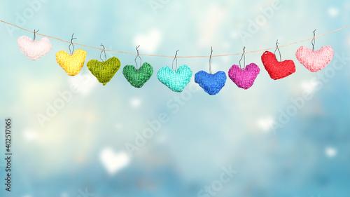 Obraz bunte Herzen aus Strick - fototapety do salonu
