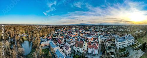 Foto Pszczyna na Śląsku w Polsce, rynek i stare miasto z lotu ptaka