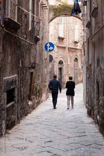 Billede på lærred Narrow alleyway in Naples
