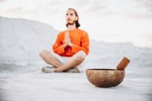 Close-up Singing Bowls. Relaxation And Meditation. Alternative Medicine. Tibetan And Himalayan Singing Bowls. Make A Sound