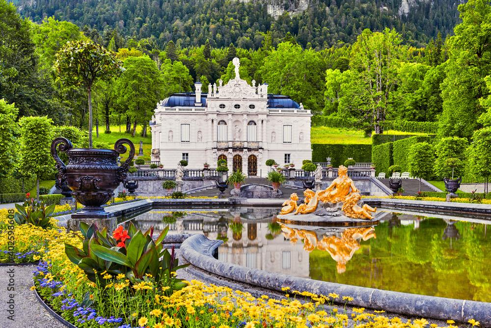 Fototapeta Linderhof Castle (Bavaria, Germany)