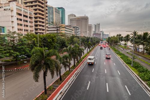 Leinwand Poster Roxas boulevard in Ermita district in Manila, Philippines