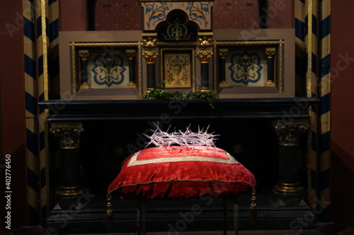 Fotografie, Obraz Crown of thorns at Cathedral of Our Lady interior, Antwerp, Belgium