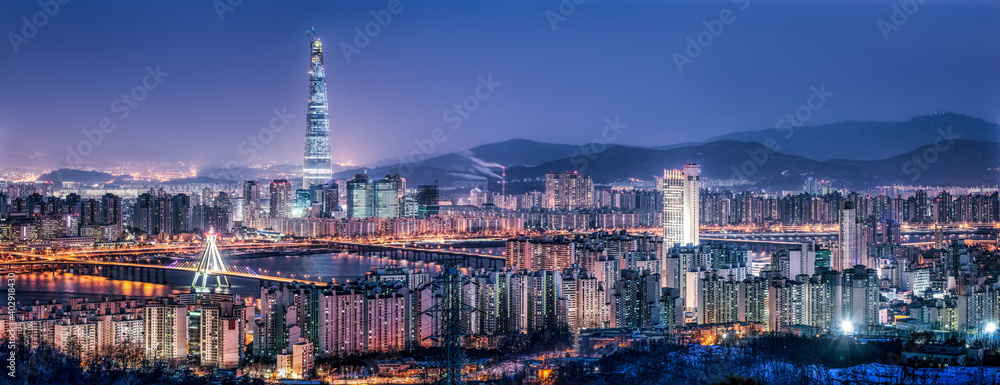 Fototapeta Seoul skyline panorama at night with view of Lotte World Tower
