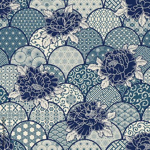 Tapety Japońskie  kwiaty-piwonii-z-tradycyjnymi-japonskimi-motywami-tkaninowymi-patchwork-tlo-wektor-bezszwowy-wzor