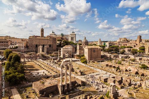 Fotomural Panorama of the Roman forum, view from above. Rome, Italy