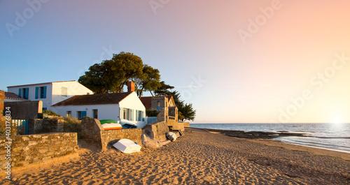 Fototapeta Paysage de bord de mer sur l'île de Noirmoutier en Vendée, France
