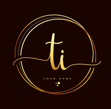 TI Initial Handwriting Logo Golden Color. Hand Lettering Initials Logo Branding, Feminine And Luxury Logo Design Isolated On Black Background.