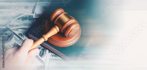 Obraz na plátně Hammer and money in court.