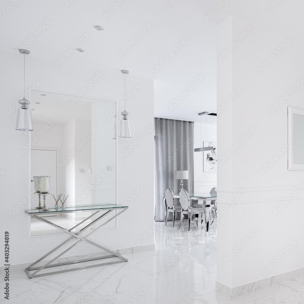 Fototapeta White corridor in villa