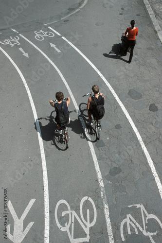 Photo Radwege und Fusswege nebeneinander