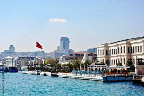 Fotografía ISTANBUL, TURKEY: Ciragan Palace was once the palace of Ottoman sultans and is now a luxury hotel