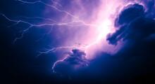 Powerful Lightning Bolt - Superbolt - Menacing Skies