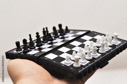 Tabuleiro de Xadrez em fundo branco Fototapet