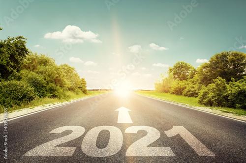Carta da parati Happy New Year Background. Road to 2021.