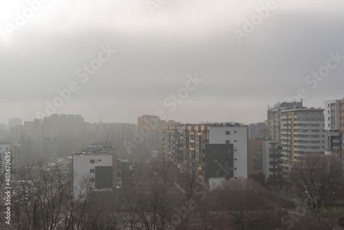 Obraz Panorama Wrocławia w pochmurny, ponury dzień. - fototapety do salonu