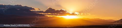 Obraz Mountains on sunset - fototapety do salonu