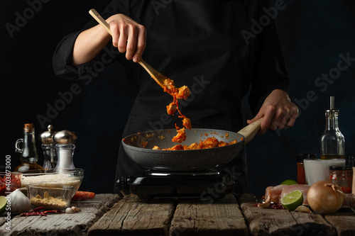 Obraz food, spice, bowl, curry, chicken, rice, dinner, meal, horizontal, cookery, photography, chef, food and drink, sauce, cooking, delicious, ingredient, table, curry powder, indoors, color image, coriand - fototapety do salonu